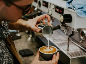 5 simple tips to land your first barista job